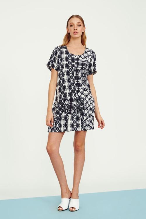 72 UT1405477 folded plaid tee dress